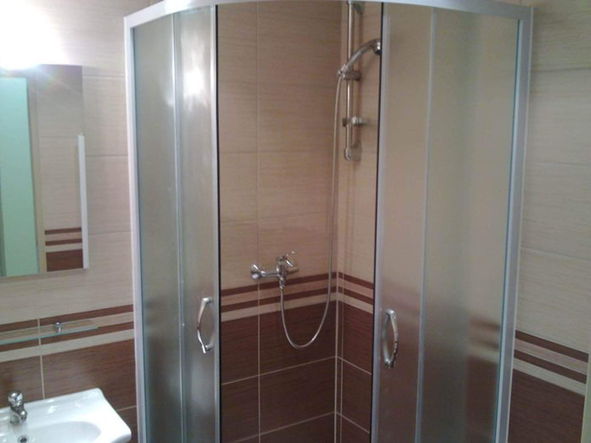 sprchový kout 1